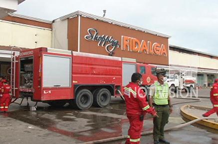 reduno-bolivia-policial-gerente-fidalga-supermercado-negó-incendio-provocado